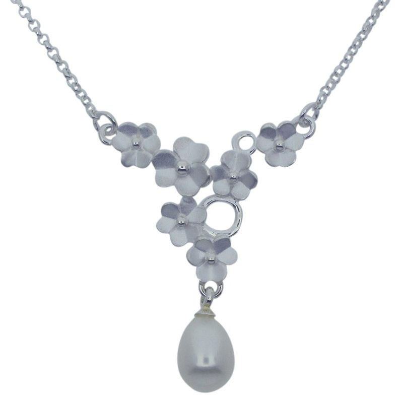 Pearl and Flowers Necklace-0